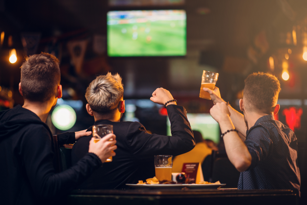 Enjoy a game and your favorite drink at one of these local Chicago Sports Bars.